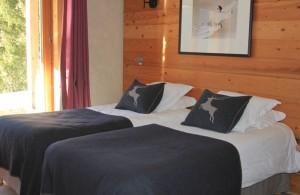 Hotel-adray-telebar-bedroom11