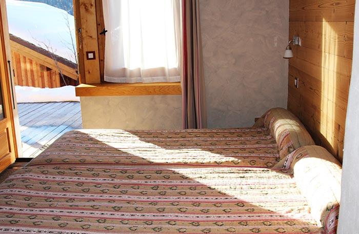 Hotel-adray-telebar-bedroom5