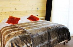 Hotel-adray-telebar-bedroom7