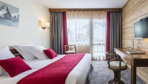 Hotel-les-Arolles-bedroom