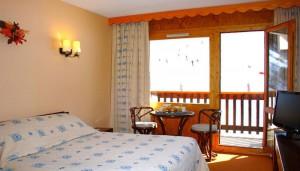 Hotel-les-Arolles-bedroom4