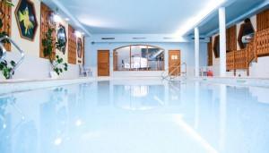Hotel-les-Arolles-pool