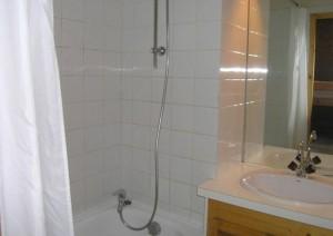 Le-Chalet-de-Meribel-bathroom
