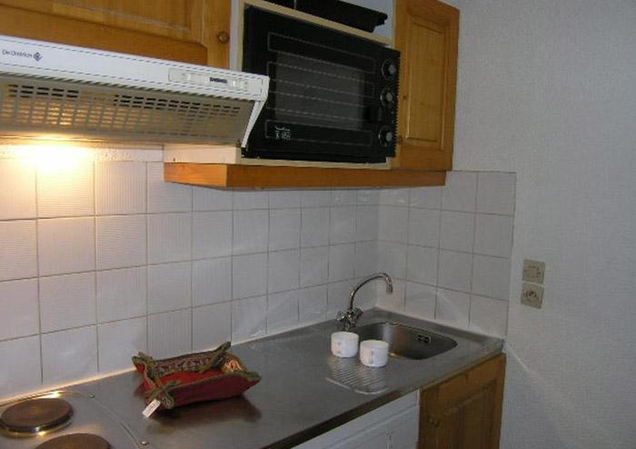 Le-Chalet-de-Meribel-kitchen