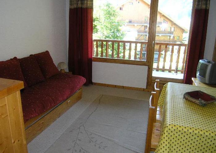 Le-Chalet-de-Meribel-lounge2