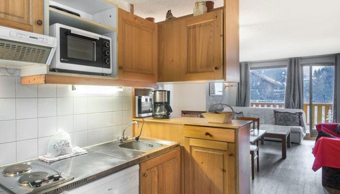 Le-Chalet-kitchen