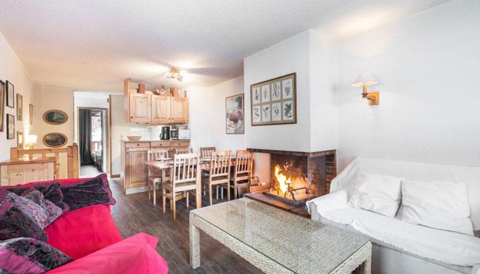 Le-Chalet-lounge2