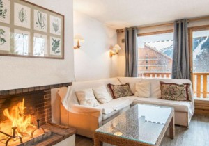 Le-Chalet-lounge4-small