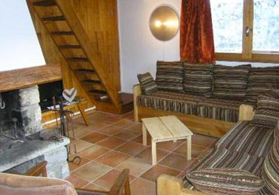 MANEKINEKO-lounge-small