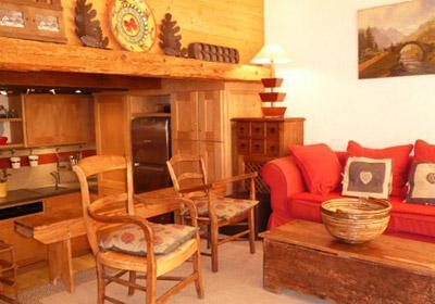 Petaru-lounge-small