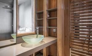 aspen-park-lodge-61-bathroom2