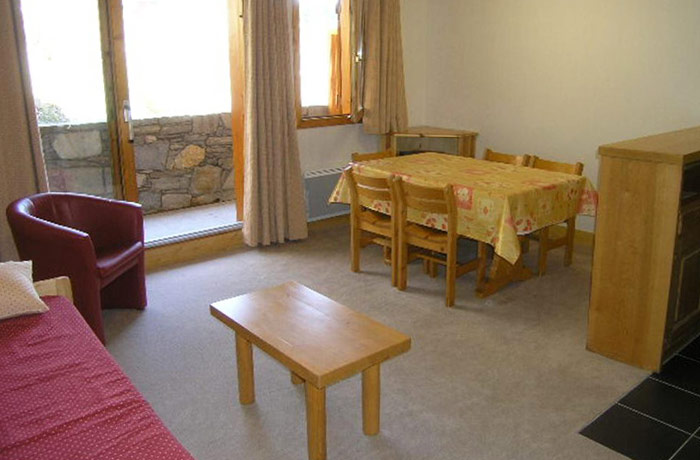 aubepine-1-bedroom-lounge2