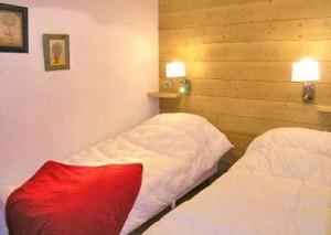 carlines-bedroom