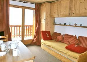 carlines-lounge2