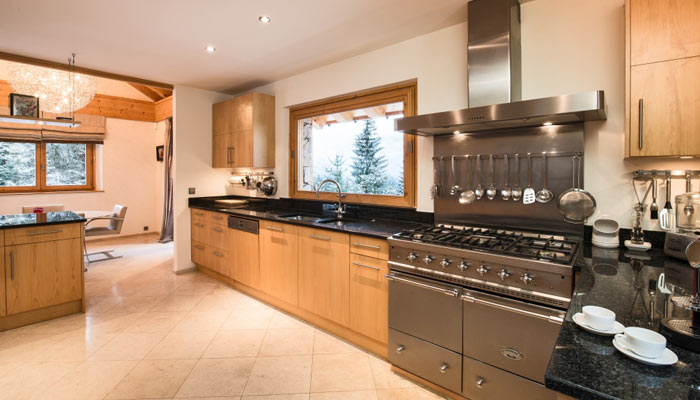 chalet-Dou-des-branches-kitchen
