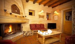 chalet-Lardour-5-bedrooms-lounge3