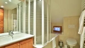 chalet-cecilia-bathroom