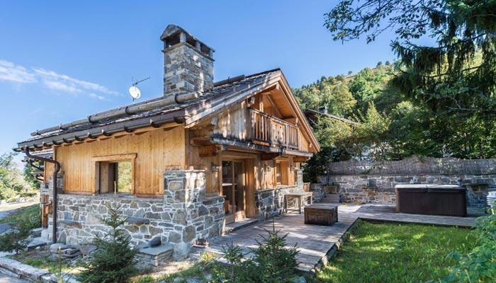 chalet-des-neiges-4-bedrooms-outside