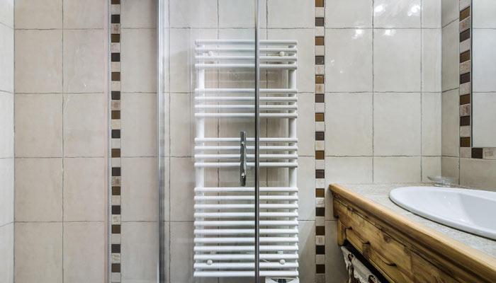 chalet-des-neiges-bathroom2