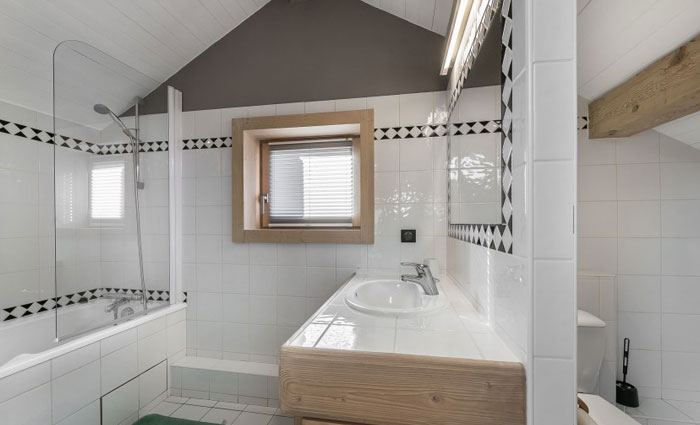 chalet-genevrier-bathroom3