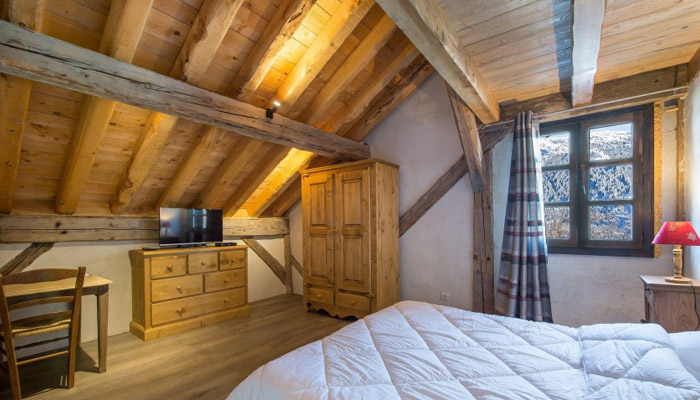 chalet-plaigny-bedroom