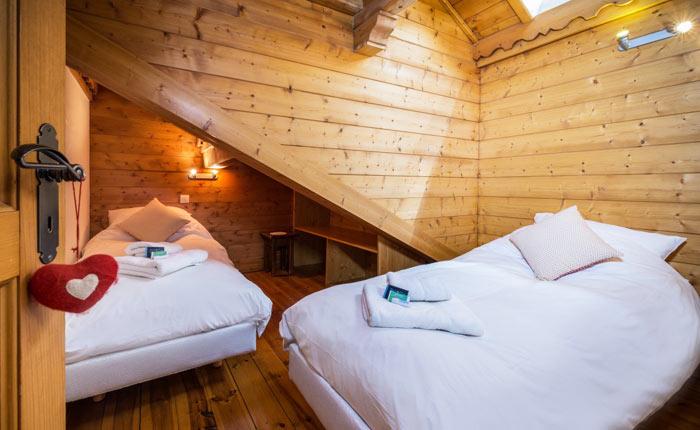 chalet-snowdrop-bedroom