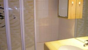 chandonelles-bathroom2