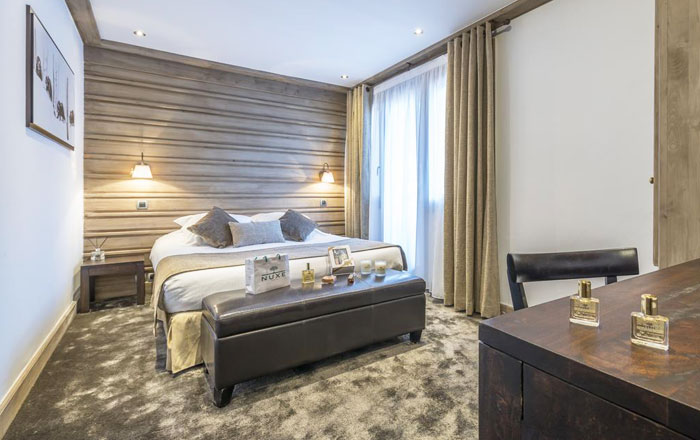 chaudanne-hotel-bedroom