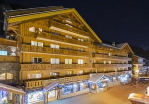 chaudanne-hotel-outside2-small