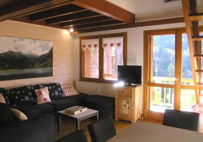 croix-de-verdon-4-bedrooms-lounge-small