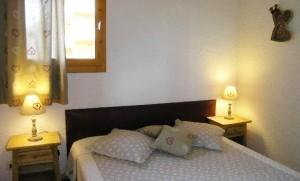 daphne-bedroom2
