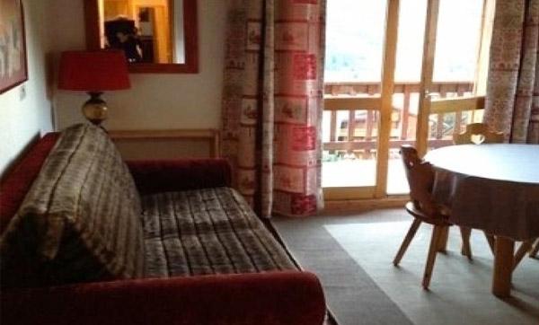 daphne-lounge