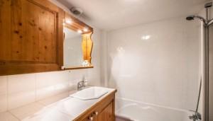 eskimo-bathroom