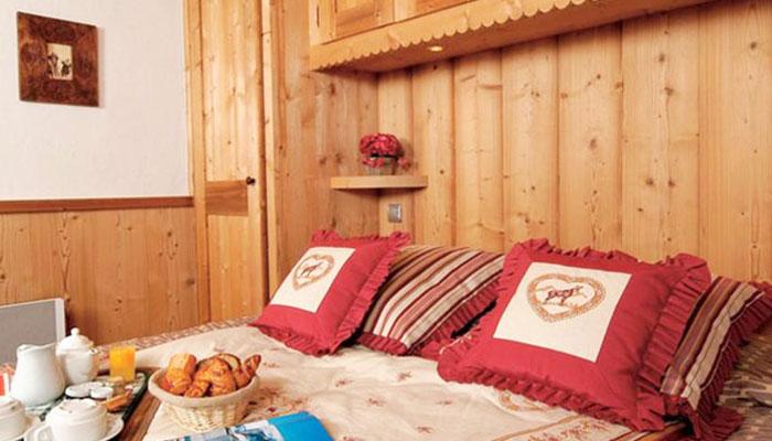 eterlou-bedroom2