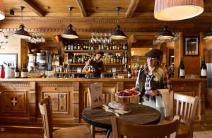 hotel-alpen-ruitor-bar
