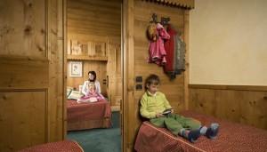 hotel-eterlou-bedroom9