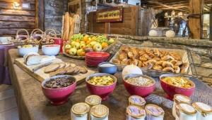 hotel-eterlou-breakfast