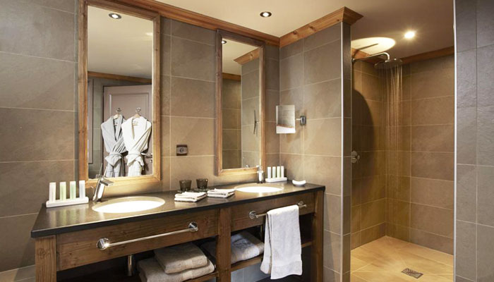 hotel-helios-bathroom