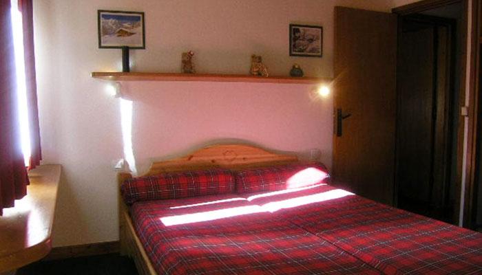 les-airelles-bedroom