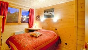 les-brimbelles-3-bedrooms-bedroom