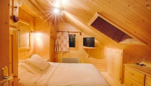 les-brimbelles-3-bedrooms-bedroom2