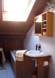 petite-hibou-bathroom