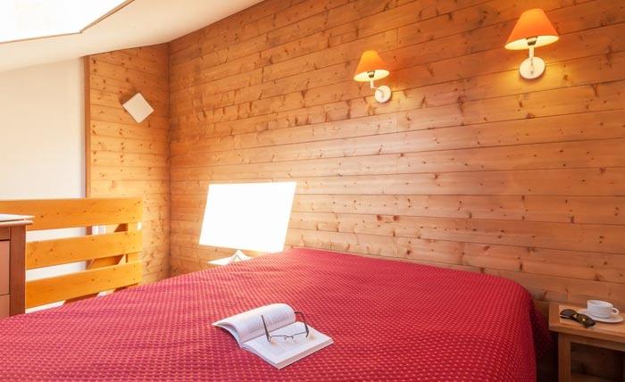 ravines-bedroom