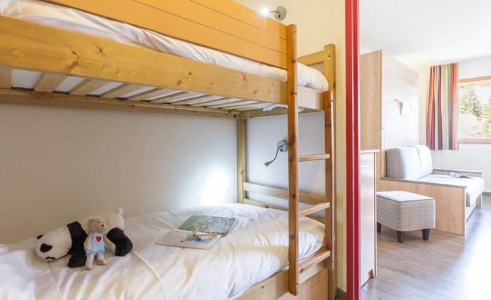 ravines-bedroom2