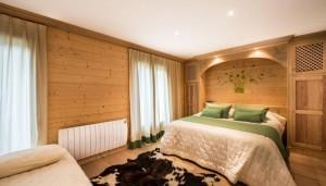 saint-erige-8-bedrooms-bedroom2
