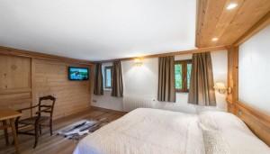 saint-erige-8-bedrooms-bedroom7