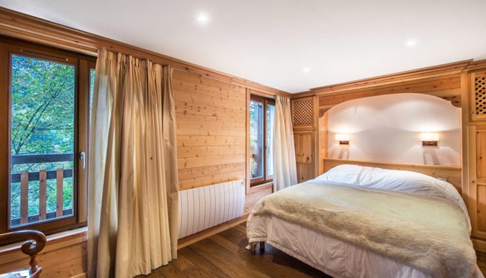 saint-erige-8-bedrooms-bedroom8