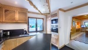 saint-erige-8-bedrooms-kitchen-