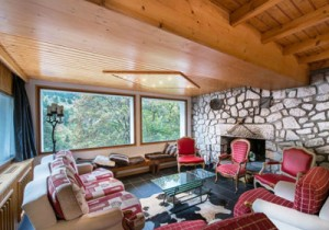 saint-erige-8-bedrooms-lounge2-small