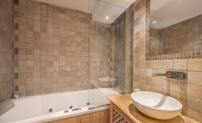 saint-erige-bathroom2